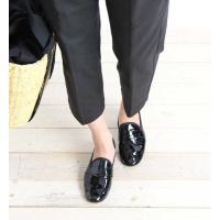 スティッチ&リターン製法でつくられた履き心地の良さと柔らかさを兼ね揃えた パテントレザーの上...