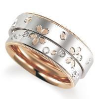 このリングはドイツの伝統的な技法で作られたリングです。地金を強く鍛え上げ、削り出して作り上げていく鋳...