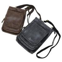 ビンテージ感のある合皮を使用した2WAYのシザーバッグです。 余計な装飾を省いたシンプルなデザインな...
