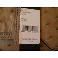 レベッカミンコフのバッグになります。  ※海外の代理店と在庫を共有しているため、数に限りがございます...