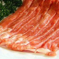 国産豚ももはすき焼き・しゃぶしゃぶ・豚しゃぶの他に、肉巻きなどでもおいしく頂ける2mmスライス生冷凍...