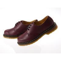 ドクターマーチンからレザーの短靴定番人気モデルの登場です!快適なエアクッションソールによる機能性に加...