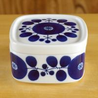白山陶器を代表する人気シリーズ ブルームのジャムケースです。  それほど大きくはありませんが、十分な...
