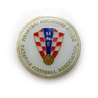 pbw22 クロアチア代表  ピンバッジ  エンブレムピンバッジ。 バタフライタイプ(従来のキャップ...
