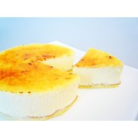 ■内容量:1個入り  ■原材料名:生クリーム、クリームチーズ、グラニュー糖、卵、生乳、チェダーチーズ...