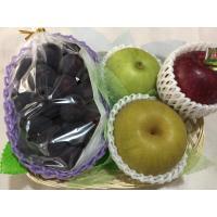 店主ゴリが厳選した旬の果物をお届けいたします。 内容物見本:ぶどう、梨2種類、りんご