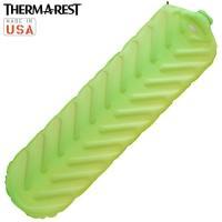 「THERMAREST(サーマレスト) トレイルキングSV R」は、通常のバルブの3倍の速さで空気の...