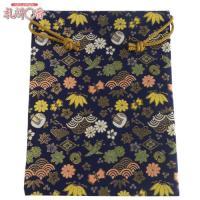 「金襴織物 巾着袋(中判サイズ) 紺地金襴 #7」は、豪華な金襴織物で作られた巾着袋です。サイズは(...