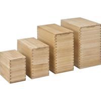 お米の保存に適した桐材を使用。