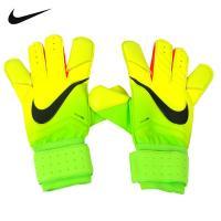 ボールコントロール性を高める為、親指、人差し指、小指と3本の指部にコンタクトフォームをラッピング(ナ...