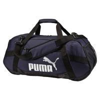 流行りのラウンドシェイプでカジュアルな印象のダッフルバッグ。600Dポリエステル素材は丈夫で摩耗にも...