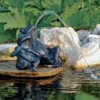 池や蹲などの水辺の演出に。  アンティークなブロンズ調の石像を思わせるオランダ製のウォーターデコレー...