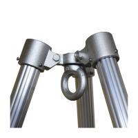単管接続用の三脚ヘッドです。 本体耐荷重は、1.5t(パイプの長さ、足の開き角度により引上げ重量は少...