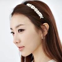 カチューシャ パール ヘアアクセ ポイント消化 髪飾り 上品 発表会 かわいい 結婚式 パーティー 学校 さりげない o-700-102