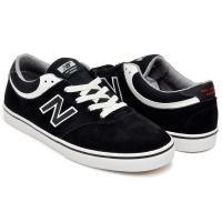 """1906年にボストンで矯正靴のメーカーとして誕生し、現代に至るまで数々の名品番を生み出してきた""""NE..."""