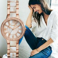 ★特別な魅力をもつ女性に向けて作られたバージニアデイトウォッチ。 時計はクリスタルを使った女性らしい...