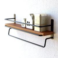 棚にスパイスなどの小さな調味料 下のバーにはキッチンツールなどを掛けて 壁に取り付けて使う便利小物で...