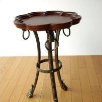 木製の縁が立ち上がった トレイ形のテーブルです  アンティーク風塗装で エレガントな雰囲気のテーブル...