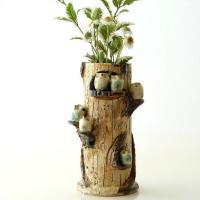 小さなふくろうが6羽 枝に止まった様子の花瓶です  可愛いサイズのふくろうは 手作り感のある表情で ...