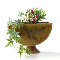 織部のグリーンが素敵 とてもモダンな花瓶です  花入れ口は2箇所、陶器の棒で仕切ってあり 中央に丸い...