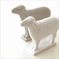 白と薄いグレイの陶器の羊 2体で1セットです 大人の雰囲気もある 可愛い羊はインテリアとしても とて...