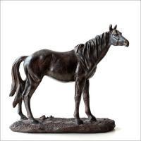 とてもリアルな馬のオブジェ  どの角度から見てもカッコが良く 今にも歩き出しそうな位 リアル感のある...