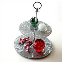 アクセサリーや化粧小物など キラキラ可愛い小物を 飾りながら置けます シックなカラーときらきらの薔薇...
