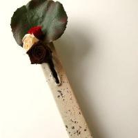 フラワーベース 花びん 花瓶 陶器 花器  一輪の花や小枝を挿して ちょっとした空間をお洒落にします...
