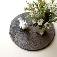 厚みのある陶器プレートは 直接、オードブルやお刺身を乗せて・・・。 まるで、お料理屋さんのような テ...