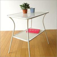 ホワイトスチールとガラスのテーブルです  ガラスは磨りガラスの乳白色  冷たさが感じられない優しいフ...