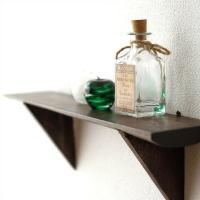 古木の板の壁掛け棚です  シンプルなデザインで 古木の雰囲気がよく出ています  和、洋を問わず どこ...