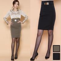■特 徴 ゴールドプレートがポイントのすっきりタイトスカート。 上品な光沢感で大人っぽい雰囲気を演出...