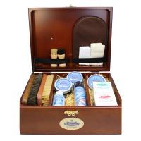 ●モウブレイブランドの最高級シューケアボックス(靴磨きセット)  ●箱上部に足型が付いたシューケアセ...
