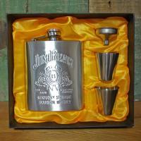 アメリカのバーボンウイスキーの代表的な銘柄、Jim Beam(ジムビーム)のスキットルです。人気のウ...