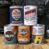ユーズドのアンティークオイル缶を思わせる、ダメージ加工が施されたオイル缶Tシャツです。普通に飾ってお...