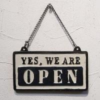 店舗ディスプレイとして大人気なリバーシブル式のオープンクローズ看板です。アンティーク加工が施され、色...