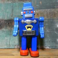 どこか懐かしいレトロ感溢れるダルトンのブリキ製おもちゃシリーズ「ぜんまいロボット」です。昔懐かしい温...