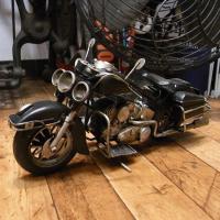 古き良きアメリカの、ハーレーモデルのブリキ製オートバイです。レトロなダメージ仕上げでレトロなインテリ...