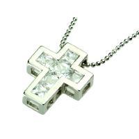 ダイヤモンドでも一番光り輝くブリリアントカットに近い形の四角柱型ルースを6つかためたクロスモチーフペ...