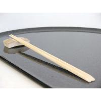 先細「天削げ」は、手軽に使えながらも高級感を演出する為に、一般的な天削と呼ばれる竹割り箸と異なり、先...