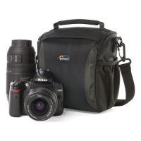 カメラやビデオをコンパクトに持ち歩ける軽量なショルダーバッグ。撥水性のある素材と丈夫なパーツを採用。...