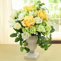 高さ33cm×幅28cm×奥行28cm  薔薇とハイドランジャーのエレガントなフラワーアレンジ。  ...