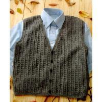 フォープライ7玉で編むかぎ針編みのメンズベストです。サイズ:胸囲113cm、着丈62.5cm。使用針...