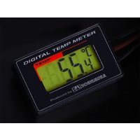 デジタルシングルテンプメーターは温度計測のみのシンプルレイアウト。 マルチテンプメーターに比べて約6...