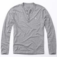 人気ブランド・アバクロの本物「ロングTシャツ」です。 色質感につきましては、全ての画像から総合的...