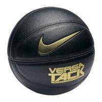 柔らかいボールタッチ、丈夫な構造。 ナイキ バーサ タック メンズ バスケットボールは、屋内向けのテ...
