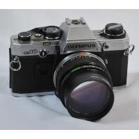 1979年にオリンパス社より発売された35mmフィルムカメラです。  当時「キミが好きだというかわり...