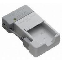 ●リチウムイオン充電池「LI-90B/92B」を充電できる「充電器」です。 ●パソコンのUSB端子か...