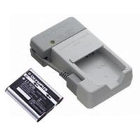 リチウムイオン充電池(LI-90B)+充電器(UC-90)セットの主な特長  ●リチウムイオン充電池...