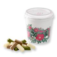 はまなしの花柄パッケージに入った、ひと口サイズのチョコレ−トです。 ホワイト、コ−ヒ−味のモカホワイ...